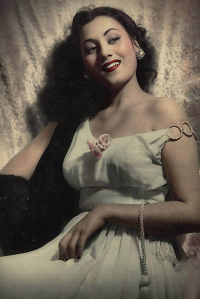 Madhubala had no problems donning traditional Muslim glamor in her prime.